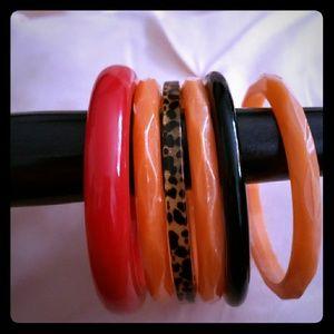 Jewelry - 🎀 BOGO  free item- Bundle of 6 plastic bracelets
